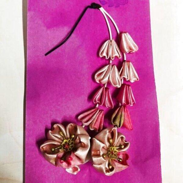 画像1: 花布糸様 作成つまみ細工『 揺れる桜のつまみ細工Uピンタイプ 』 (1)